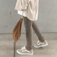 おしゃれで暖かい♪秋冬ファッションの着こなし広がる「レギンス」コーデ
