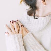 お肌の乾燥は「肩凝り」が原因かも。見直したい生活習慣&肩こり緩和エクササイズ