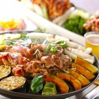 「ジンギスカン鍋」をおうちで味わい尽くす。由来やおすすめレシピをご紹介!