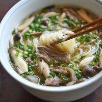 あつあつ、ふうふう。体の芯から温まる「冬のごちそう麺」レシピ