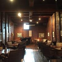 しっぽり、大人な雰囲気で。全国の城下町で見つけた「蔵カフェ&バー」