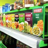 世界グルメ旅気分♪本場の味に出合える《輸入食品を扱うスーパー》都内7選