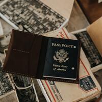 今度の旅のお供に。おしゃれな「パスポートケース」おすすめ11選
