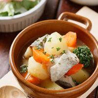 お鍋に材料を入れたらほったらかし♪「煮込むだけ」の簡単レシピ