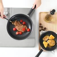 野菜はシャキッ、お肉はジューシー。食材が美味しくなる「鉄のフライパン」を使ってみない?