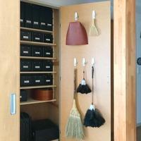 扉裏こそたくさん活用方法が隠れている◎お部屋スッキリ「裏側収納術」