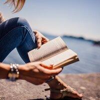 心に疲れを感じたら、ことばの世界へ 今読みたいとっておきの一冊