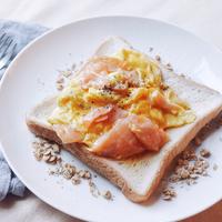 食パンにのっけて簡単!美味しさ広がる「トースト」アレンジレシピ