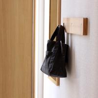 朝の準備をスムーズに。散らかりやすい【バッグ】の収納アイデア