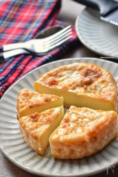 カマンベール チーズ レシピ 十勝 カマンベールチーズを美味しく食べる!皮も食べるの?実はやみつきに