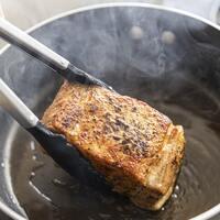 旨味を残してカロリーカット!脂質の摂り過ぎを防ぐ《肉料理の調理テク》