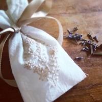 匂い袋「サシェ」の作り方。ハーブやお花をつめ込んで手作りしよう!