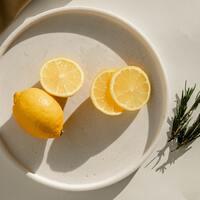 お料理にも、お菓子作りにも。とっておきの「レモン絞り器」