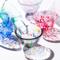 影まで色鮮やかで美しい。青森の伝統的なガラス工芸【津軽びいどろ】