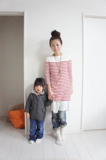 赤×白のボーダーワンピ*ユニクロ 白ワンピ*グローバルワーク ハート型ネックレス*しまむら  親子でパシャリ♪