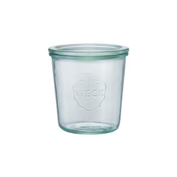 WECKの保存瓶はどうして長く保存できるのか? それはこの密閉蓋に秘密あり! 蓋がくぼんでいる為瓶の中に余分な空気を貯め込まず、酸化や腐敗を興しにくくするのです。 シンプルだけど考え抜かれた設計。 これがWECKの良さ。