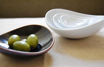 コロンとした丸みが可愛いこちら☆ お料理を盛れば見栄えもかなり綺麗に見えそうです。