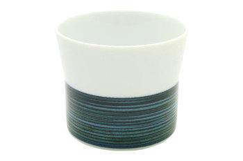 飽きのこないシンプルなデザインのフリーカップです。 白と、インディゴの不揃いなラインが可愛らしさと落ち着きの同居を実現☆