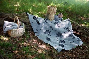 ピクニックにも持っていきたくなりますね♪ ナチュラルなデザインが自然と合っていてよく映えます。