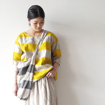 ナチュラルな落ち着いた色の服が好き。 そんな人でも夏になると気分が明るくなって、コーディネートにカラフルな色を取り入れたくなりますよね♪ ichiのカラフルボーダーはナチュラル系アイテムとも合わせやすいのでお勧め! カラフルボーダー × シンプルボーダーの組み合わせも◎!