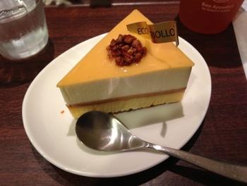 こちらはチョコテイストのチーズケーキ。この店ならではの人気の一品♪