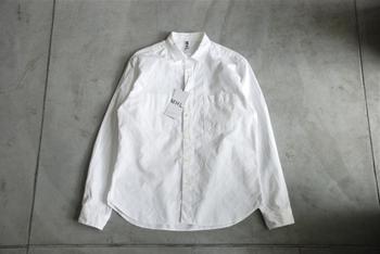 1970年代、シャツを好んできていたマーガレットハウエルは、コート、ジャケット、トラウザーは全て、メンズ用に仕立てられたものがウィメンズ用にも適していると感じたという。