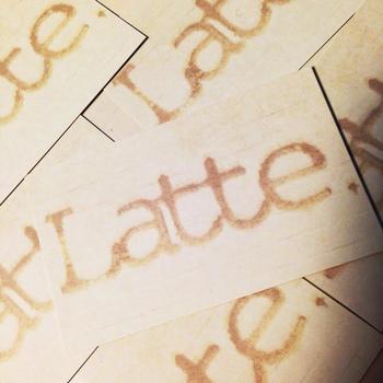 Latte.(ラテ)のオーナーはアパレル出身で、オリジナリティとトレンドを絶妙にミックスするハイセンスの持ち主。エスプレッソとミルクのバランスが味の決め手になる「Latte」の店名そのものです。お店はマンツーマンのスタイルを大切にした完全予約制。