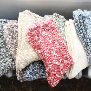 ヘンプ、コットン、スラブ糸をつかったmaillotのオリジナルソックス。シーズンを通して使用できる万能アイテムです。色のミックスが可愛い。