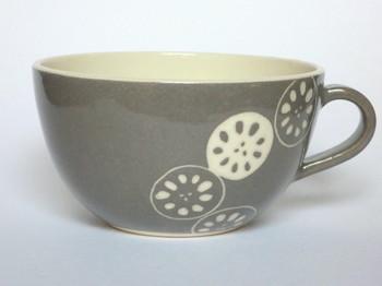 れんこんのスープカップ  モノトーンでデザインされたれんこんがなんだかかわいいスープカップ。