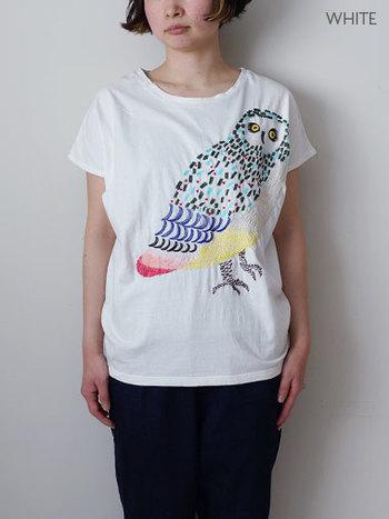 こちらも刺繍Tシャツ。 マーブルシュッドの定番ラッキーモチーフ「ふくろう」がデザインされた定番のようで新しく可愛いTシャツです。