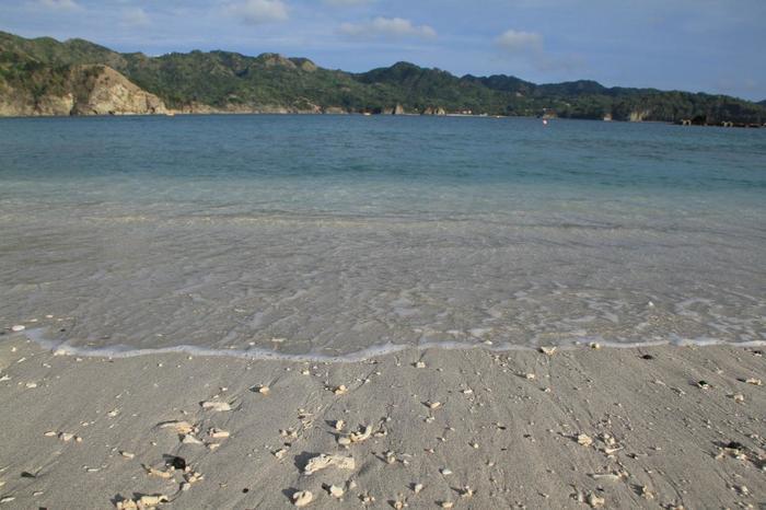 大村海岸。ウミガメの産卵場所になっていることで知られています。6月頃にウミガメが産卵に訪れるそうです。