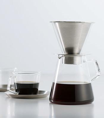 旨み成分であるコーヒーオイルを多く抽出できる、ステンレスフィルターを使用したコーヒードリッパーで製作されています。 こだわりが感じられる品。