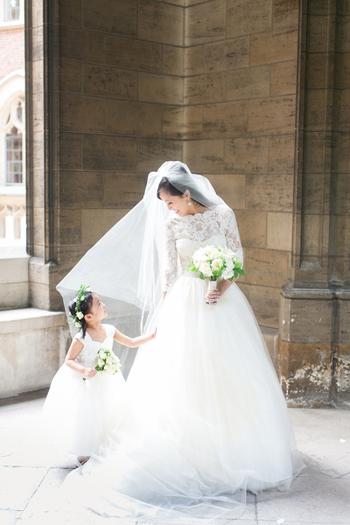 花嫁さんとお揃いのような衣装にしても、可愛いですよね!