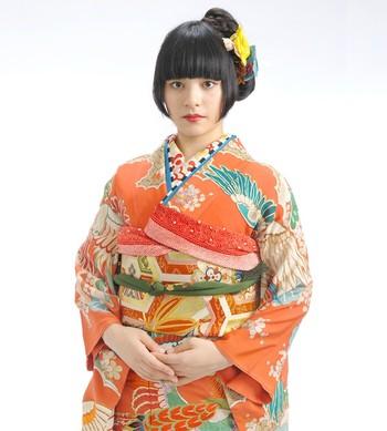 原宿、新宿、池袋、町田などに店舗を構えるTokyo135°さんは、アンティーク着物や現代のKIMONOをうまく取り合わせた今風の着物屋さんです。