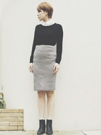 トレンド感の強いハイウエストスカートですが、お上品に見えるのは、丸衿シャツのおかげなんです。