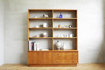 北欧風のお部屋を特徴づけるアイテムのひとつが「シェルフ」。雑貨、食器、書籍、おもちゃ…あなたなら何を並べる?