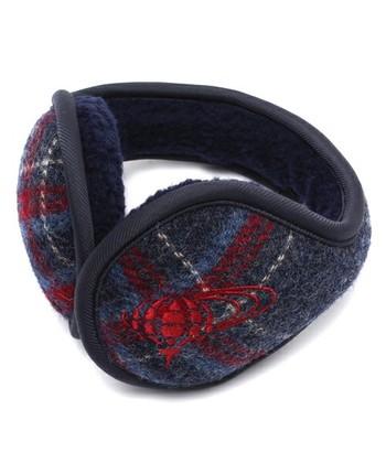 イヤーマフ 頭ではなく耳の後ろを繋ぐタイプ。 耳に刺繍されたハリスツイードのロゴ、英国の宝珠がポイントになってておしゃれです。