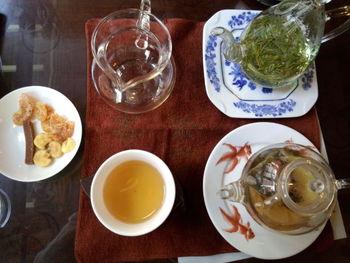 茶葉によって使われる道具も違い、それぞれのお茶に適した茶器で、レトロな雰囲気を味わいながら、お茶を心ゆくまで楽しめます。