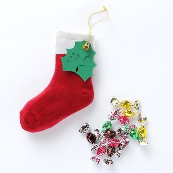 なんとも懐かしい、クリスマスの靴下。実はこれ、奈良産のこだわりの靴下。サイズも13~23だから、子どもから女性まで実際に履くことができちゃうんです♪クリスマスが何倍も待ち遠しくなっちゃいますね!