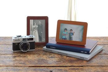 そして、一般的なL判写真のためのプリントサイズ。 昔の大切な写真を、もう一度飾ってみませんか?  (写真サイズ:89×127mm/フレーム外寸:11.5×15.5cm)