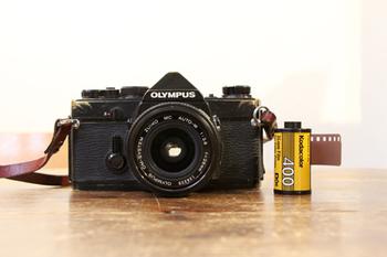 大切なカメラを、より一層愛おしく感じられるための、カメラケースや、 毎日でも持ち歩きたくなる、カメラストラップ。 また、大切な写真を保管しておきたくなる、フォトフレームなどを取り扱っています。