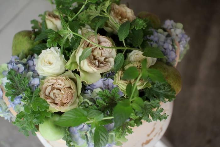 オーナー自身「大切な贈り物の花を任せられる花屋さんがない」と感じ、トレフルをオープン。オーダーに応じてわざわざイメージに合った花を仕入れるなど、きめ細やかに対応してくれます。