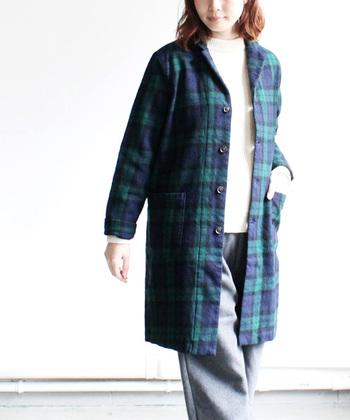 RINEN(リネン)のウールテーラードコート。洗いが掛かっているので、よりナチュラルに着こなせるシンプルなコートです。