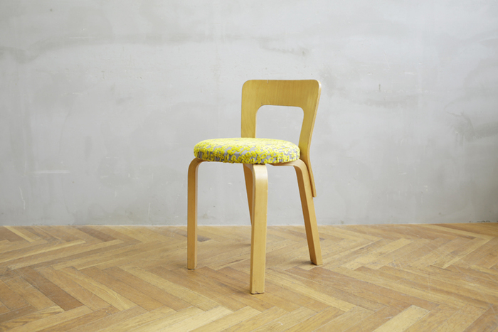 Vintage Chair NO.65 × minä perhonen -chorus-  洗練されたデザインと、機能的なデザイン、ミナの明るいファブリックで、新しい魅力を発見!