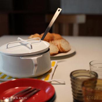 食卓にそのまま持っていってもサマになるお鍋って、ありそうでないものです。