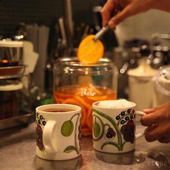 PURPLEのパラティッシのマグカップは、大人可愛い雰囲気。  家でも、オフィスでも。