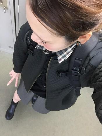 肩のパッドもふわふわで背負っているストレスは少ないです。湾曲しているので、なで肩さんや肩狭さんもずり落ちにくいので嬉しいですね。こちらはマンティスです。
