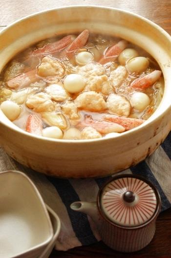 タラとエビと豆腐の団子はふわふわで本当に美味しい♡醤油と柚子胡椒のシンプルなだしです。タラとエビの旨味が凝縮された鍋は格別です。この冬おすすめの鍋です。