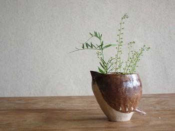 「鳥形フラワーベース」  花器としても食器としても使えます。 渋い色合いなのに、よく見ると鳥なのがほっこり。