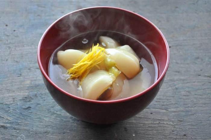 【かぶの煮物】 ほっこり・こっくりと、カブの優しい美味しさを堪能できる煮物です。片栗粉でとろみをつけると、よりあたたまります。